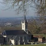 L'église vue du chemin de la Croix des Combes